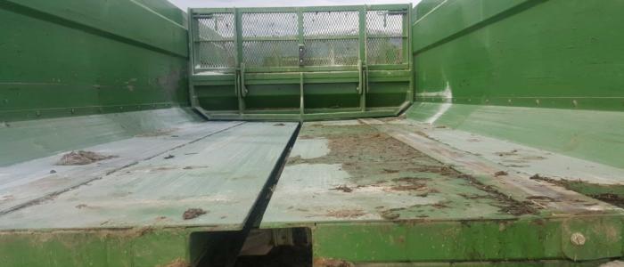 Combi Feeders Chainless Rear Floor -Rear pusher blade